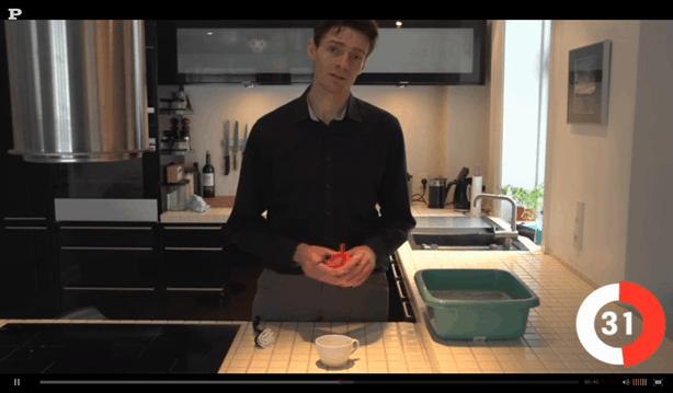 Michael René laver video for Politikens Tv om fjernelse af te