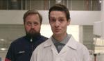 YouSee Comedy – Michael René, Emil og Magnus Millang kigger på mikroorganismer